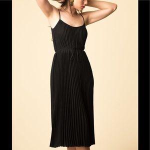 NWT Vince Cami Pleated Midi Dress $295